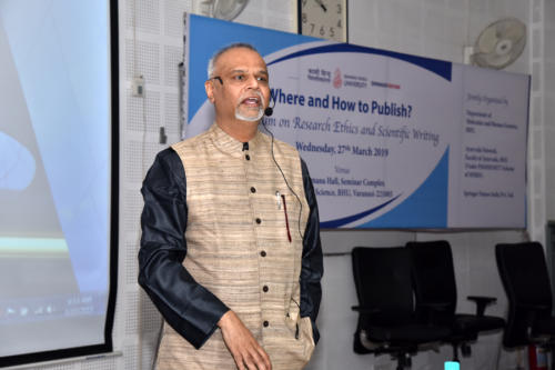 Prof. Bhushan Patwardhan, Vice Chairman, UGC taliking about CARE guidelines during the symposium on 'Where and How to Publish?'