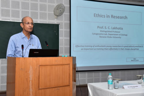 Prof. SC Lakhotia talking about the publication ethics during the symposium on 'Where and How to Publish?'