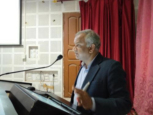 Prof. Sanjeev Rastogi delivering his lecture during the workshop on 'Good Teaching and Research Practices'
