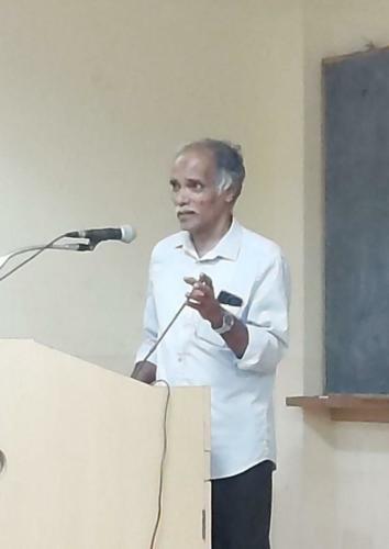Prof. Muralidhara Sharma speaking on the Ayurvedic principles of management of skin disorders